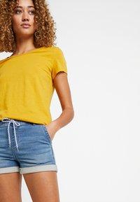 edc by Esprit - JOGG  - Denim shorts - blue medium wash - 3