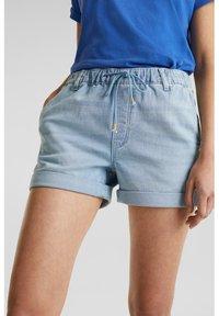 edc by Esprit - Denim shorts - blue light wash - 6
