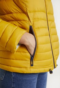 edc by Esprit - Giacca invernale - sunflower yellow - 5