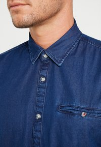 edc by Esprit - Shirt - blue medium wash - 4