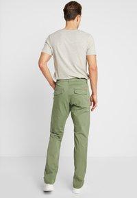 edc by Esprit - Chino kalhoty - olive - 2