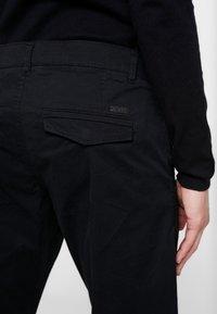 edc by Esprit - Chino - black - 5