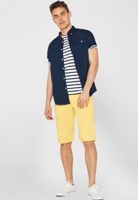 edc by Esprit - SOL  - Shorts - yellow - 1