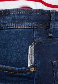 edc by Esprit - Shorts di jeans - blue dark wash - 5