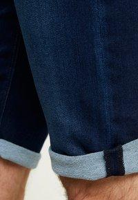 edc by Esprit - Shorts di jeans - blue dark wash - 3