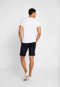 edc by Esprit - STRUC SIDE - Shorts - dark blue - 2