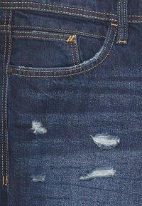 edc by Esprit - Short en jean - blue dark wash - 2