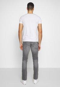 edc by Esprit - Džíny Slim Fit - grey medium wash - 2