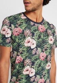 edc by Esprit - TEE - T-shirt med print - navy - 5