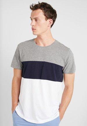 TEE - Printtipaita - medium grey