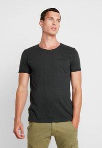 edc by Esprit - TEE - Camiseta básica - dark green - 0