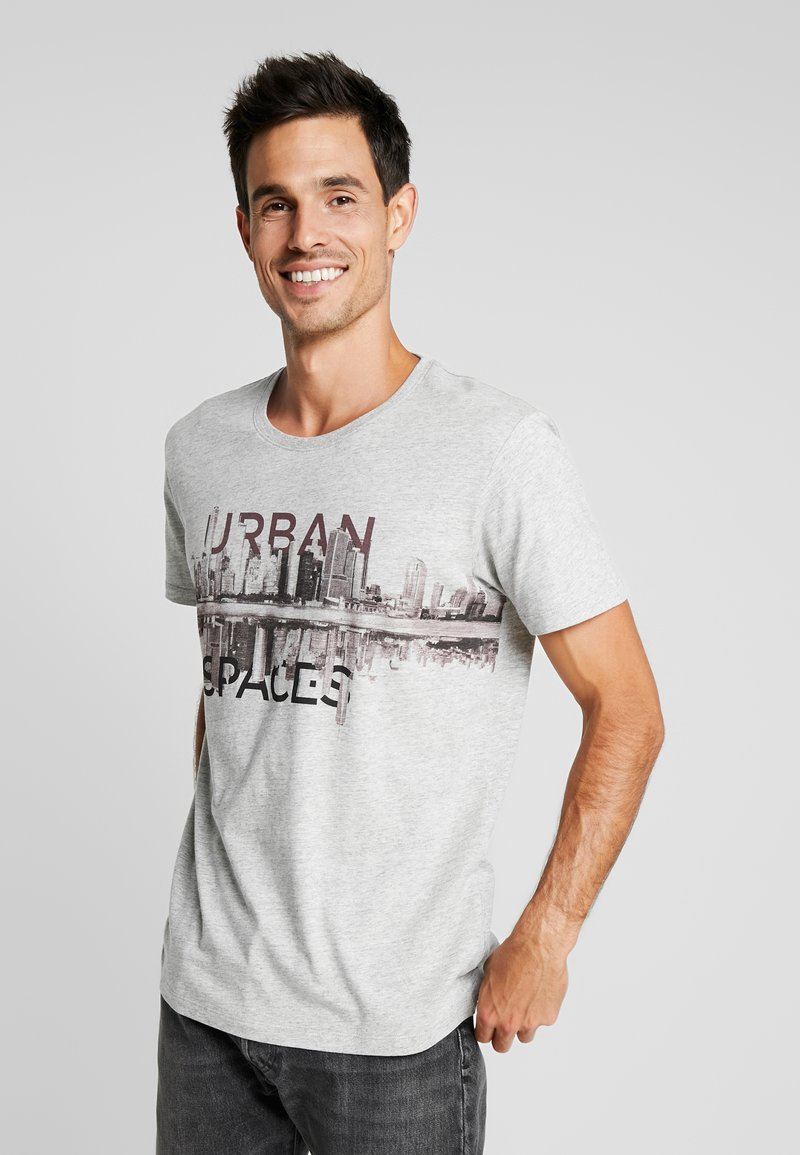 edc by Esprit - CORE PHOTO  - T-Shirt print - grey