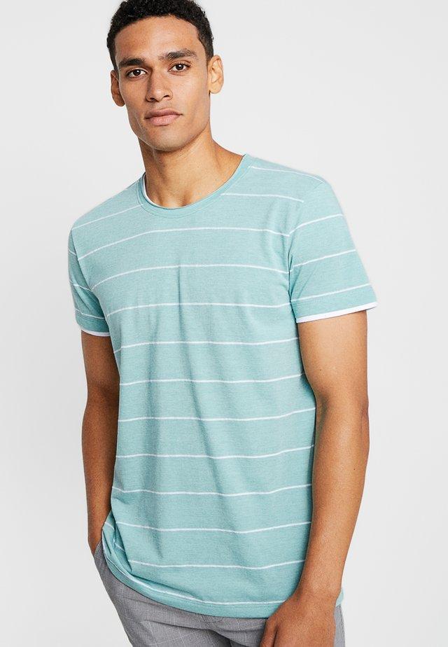 STRIPE TEE - Print T-shirt - light aqua green