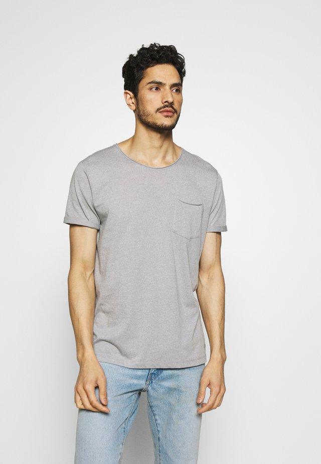 GRINDLE - Camiseta básica - medium grey