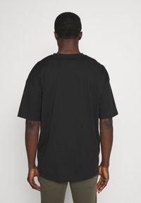 edc by Esprit - BOXY  - T-shirt basic - black - 2