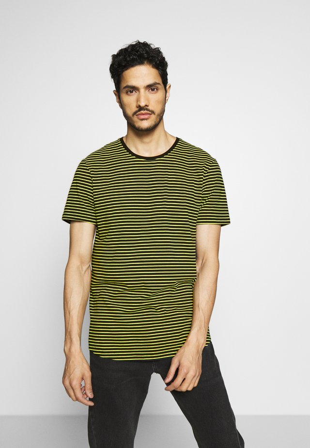 OCS F STR CN SS - T-shirt con stampa - bright yellow