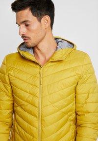 edc by Esprit - Giacca da mezza stagione - dusty yellow - 5