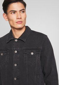 edc by Esprit - Denim jacket - black medium wash - 5