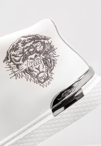 Ed Hardy - NEW BEAST TOP - Vysoké tenisky - white gunmetal - 5