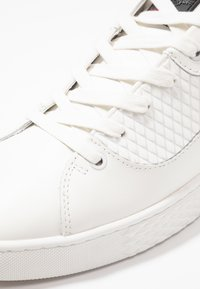 Ed Hardy - SCALE TOP - Sneakersy niskie - white - 5