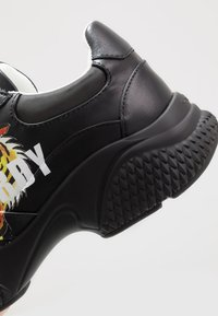Ed Hardy - INSERT RUNNER TIGER - Sneakers basse - black/multicolor - 5
