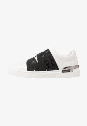 OVERLAP - Instappers - white/black