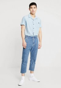 Edwin - UNIVERSE PANT CROPPED - Jeans Relaxed Fit - mid stone wash - 1