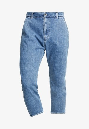 UNIVERSE PANT CROPPED - Relaxed fit jeans - mid stone wash