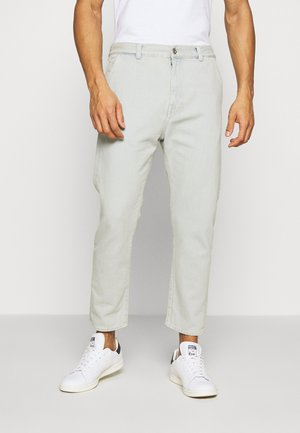 UNIVERSE PANT CROPPED - Jeansy Relaxed Fit - light blue denim