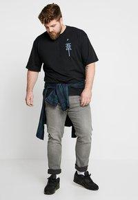 Edwin - MANGETSU - T-shirt con stampa - black - 1