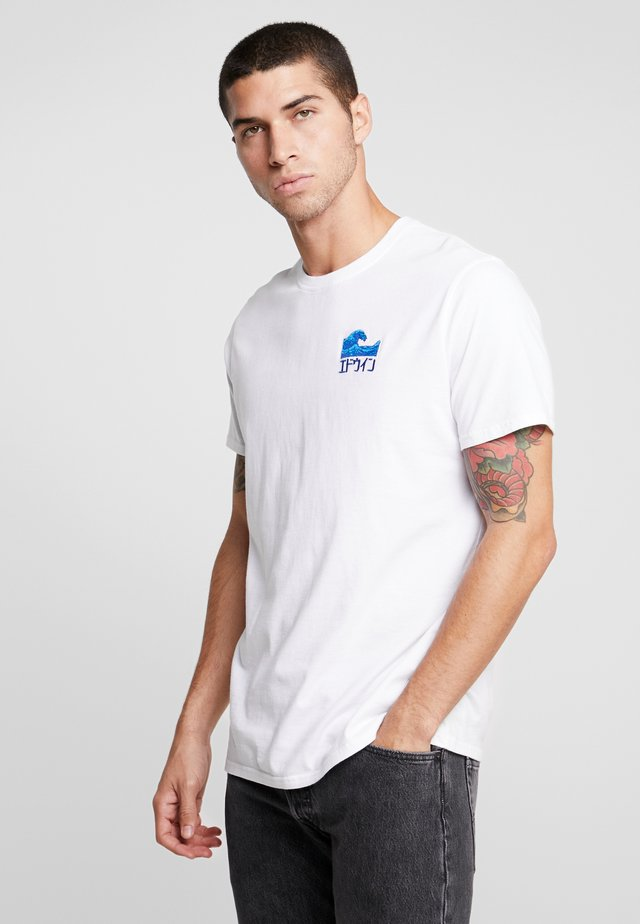 THE WAVE - T-shirt z nadrukiem - white