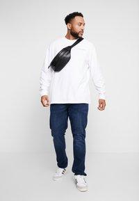 Edwin - SOUVENIR FROM JAPAN - Pitkähihainen paita - white - 1