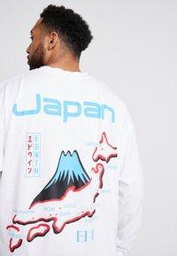 Edwin - SOUVENIR FROM JAPAN - Pitkähihainen paita - white - 5
