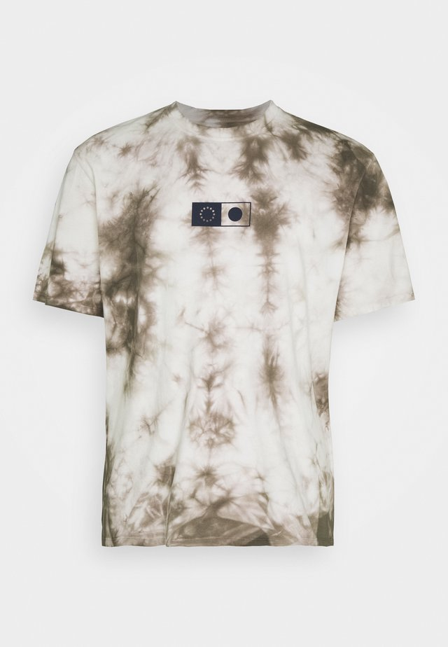 SYNERGY - T-shirt con stampa - frost grey