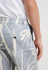 Editions MR - GIANNI BERMUDA - Shorts - dusty blue - 4