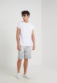 Editions MR - GIANNI BERMUDA - Shorts - dusty blue - 1