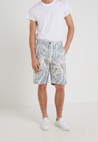 Editions MR - GIANNI BERMUDA - Shorts - dusty blue - 0