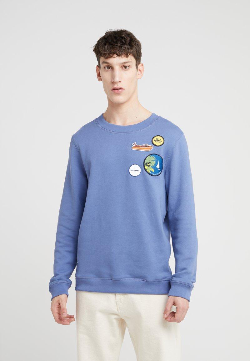 Editions MR - MULTIPATCHED MATHIS FLEECE SWEATSHIRT - Sweatshirt - blue storm