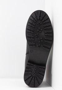 EDITED - GLADYS - Korte laarzen - black - 6