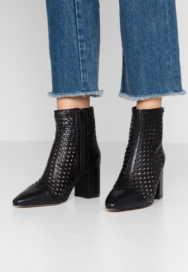EDITED - HEDDA - Kotníkové boty - black