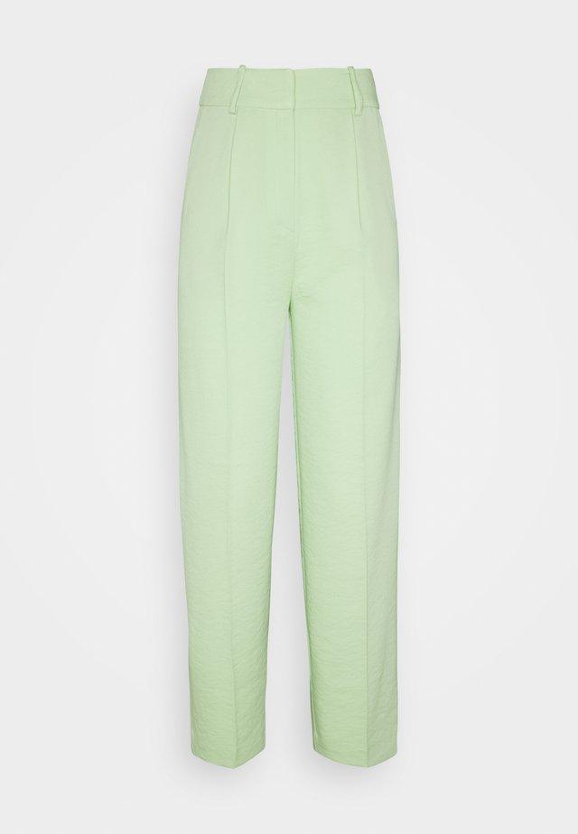 LUCCA PANTS - Pantalon classique - grün