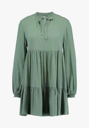 HEATHER DRESS - Denní šaty - grün