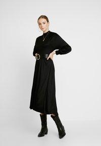 EDITED - TIARE DRESS - Vestito di maglina - schwarz - 1