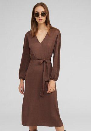 TASMIN - Korte jurk - brown
