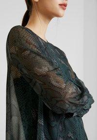 EDITED - HARRIET DRESS - Denní šaty - green - 5