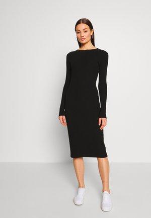HENNIE DRESS - Pouzdrové šaty - schwarz