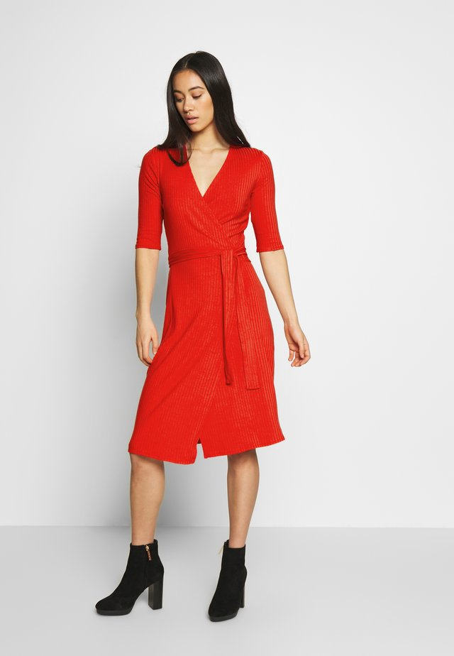 PORTIA DRESS - Jerseykleid - rot