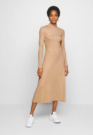 TONYA DRESS - Jerseykjole - beige