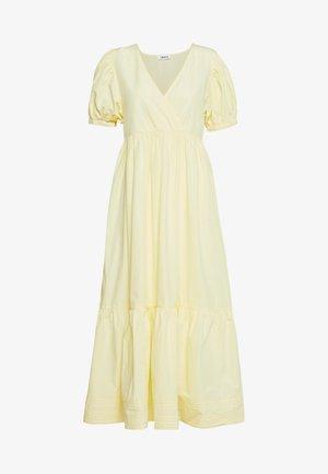 CYBIL DRESS - Robe d'été - gelb