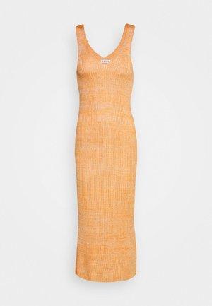 ELANOR DRESS - Robe pull - orange/beige